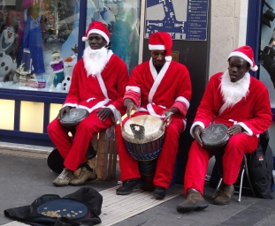 Christmas buskers in Naples