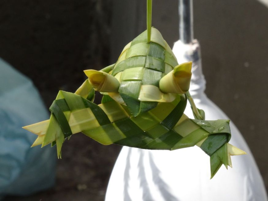 Reed frog made by Chinese hands in Naples