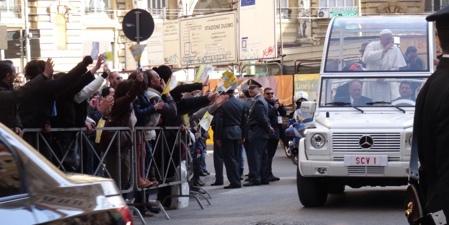 The Pope rounds yet another corner in Naples