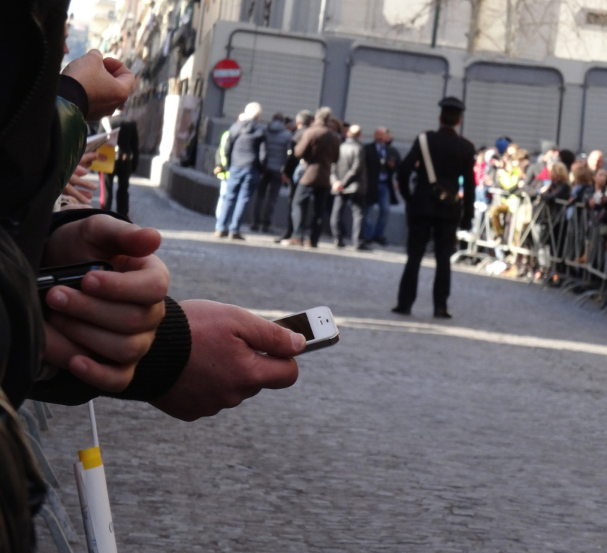 Waiting for the Pope in Naples