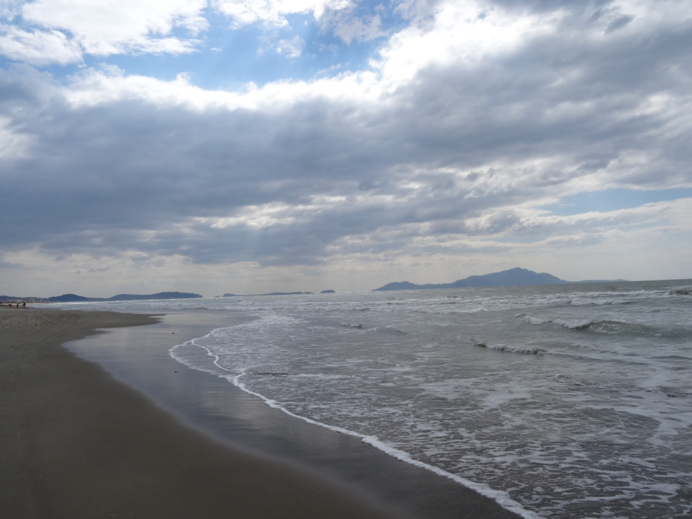 A day on a beach just north of Naples, Italy - with a dog in mind (6/6)