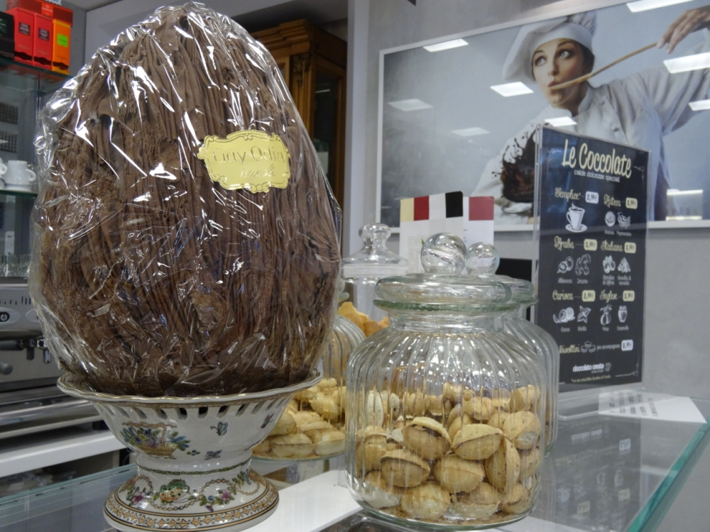 Easter chocolate at 'Cioccolato Foresta' in Naples (2/6)