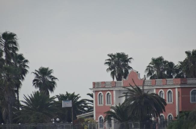 The pink hotel - Lago di Patria