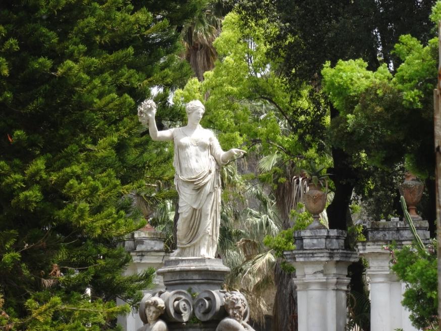 Flora, with her back to Vesuvius, faces the royal palace at Portici, near Naples