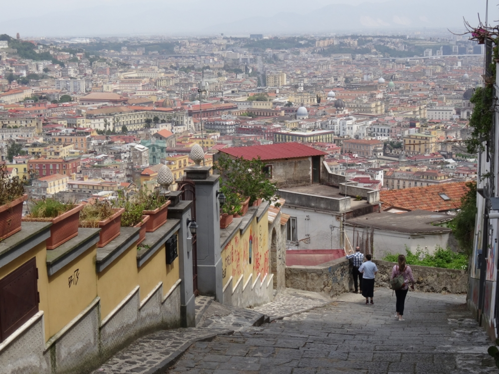 A young artist's first impressions of Naples, Italy (5/6)