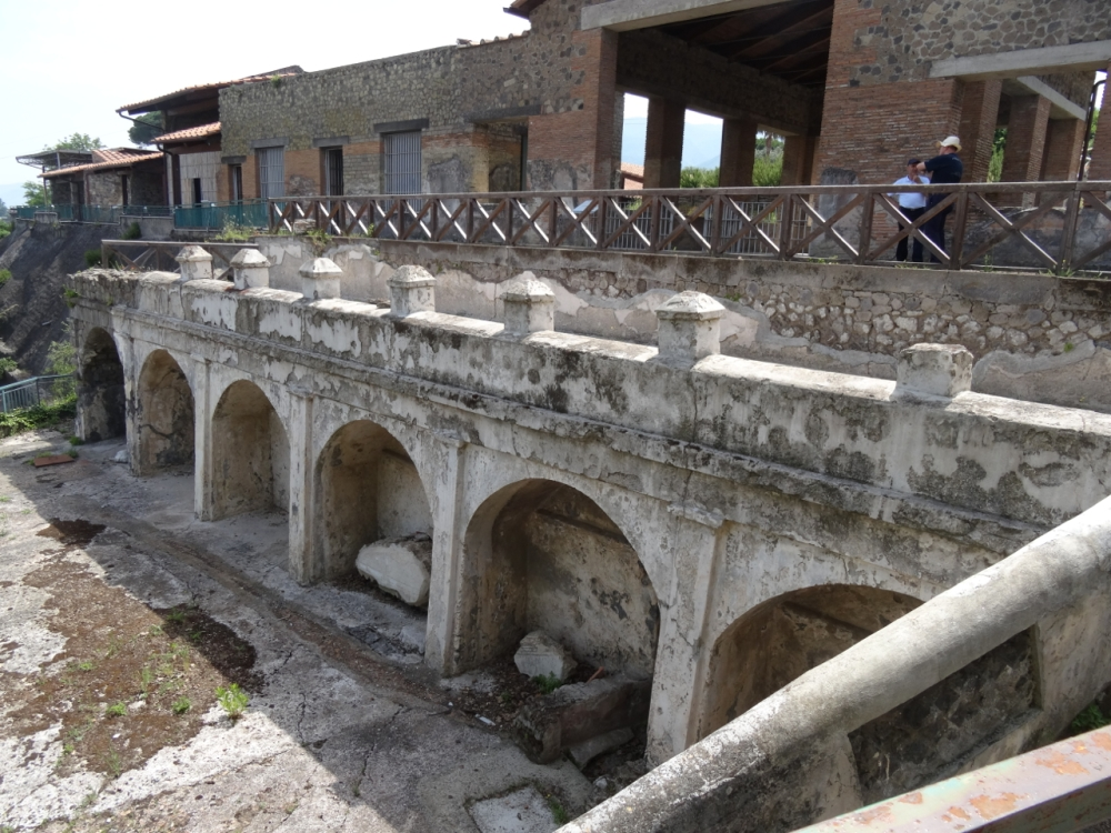 Ancient Stabiae and its villas, once so luxurious, and then .... (4/6)