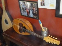 The bowlback Neapolitan mandolin - still part of the city of Naples, Italy