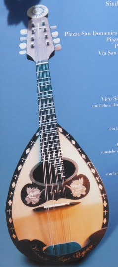 Picture of the mandolin presented to the Pope on his visit to Naples in 2015