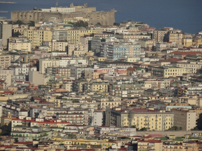 The Vomero area of Naples, Italy that now fills the green foreground in the right of the print above