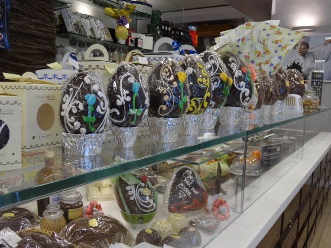 Hand-decorated display in Cioccolato Foresta, in Chiaia, in Naples, Italy